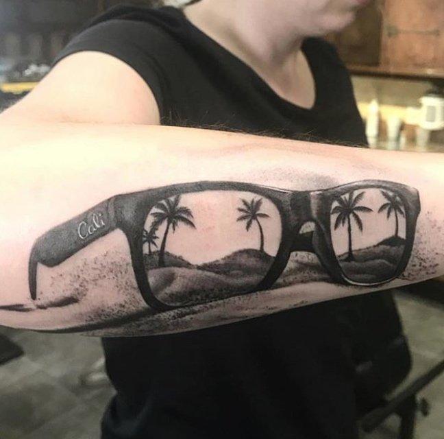 JIm Down California dreaming tattoo studio city tattoo
